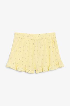 Monki Ruffle hem shorts