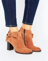 Vero Moda Suede Bow Heel Boot
