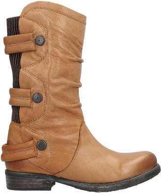La Femme PLUS Boots