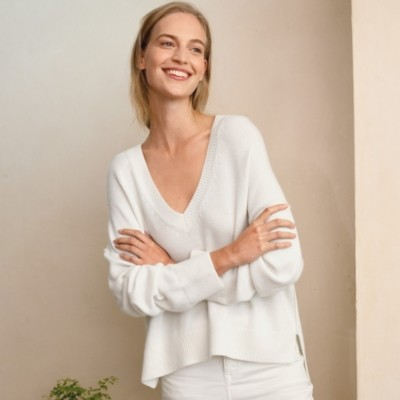The White Company Exposed Seam V-Neck Jumper with Cashmere, Porcelain, Extra Small