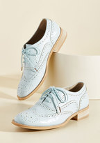 ModCloth Talking Picture Oxford Flat in Sky in 6