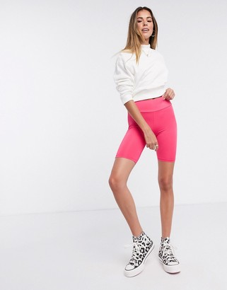 New Look shiny legging short in bright pink