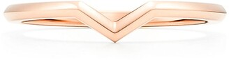 Tiffany & Co. & Co. The Setting V band ring in 18k rose gold, 1.7 mm wide - Size 7 1/2