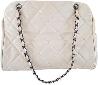 Chanel White Patent leather Handbags