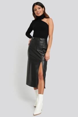 NA-KD Faux Leather Side Slit Skirt Black