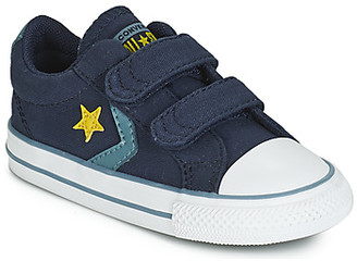 Converse STAR PLAYER 2V CANVAS OX boys's Shoes (Trainers) in Blue