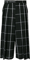 McQ by Alexander McQueen Atami quilted shorts - men - Cotton/Polyester/Wool - 46