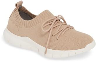 Bernie Mev. Plush Sneaker