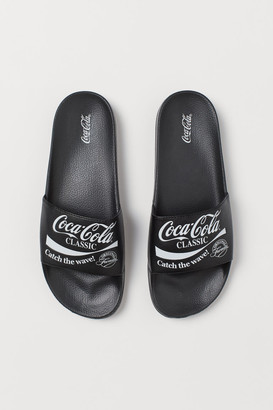 H&M Printed Pool Shoes - Black