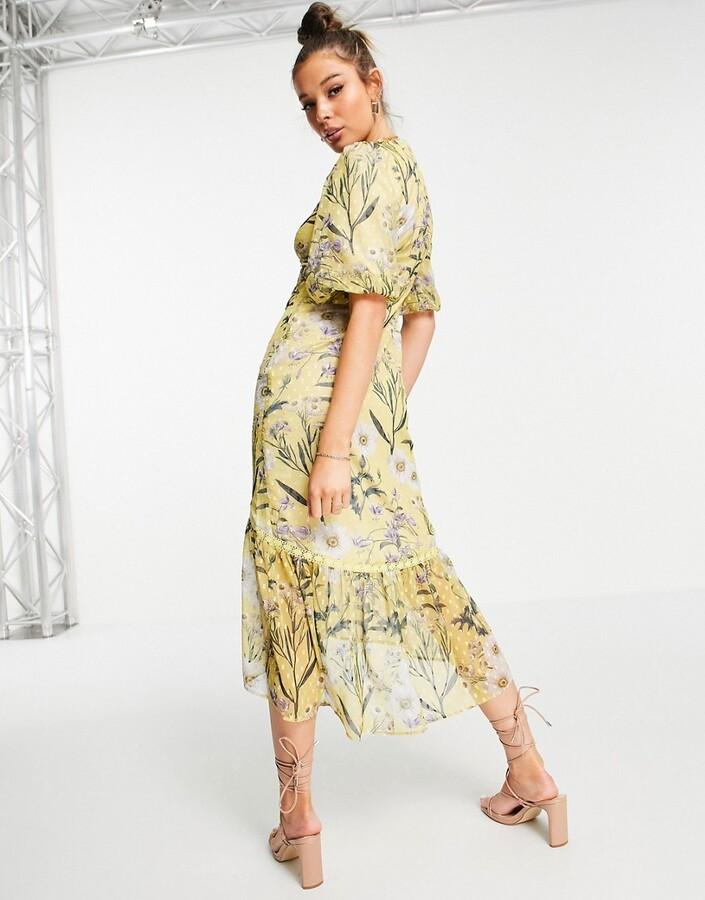 Thumbnail for your product : Hope & Ivy balloon sleeve drop hem midi dress in yellow daisy print