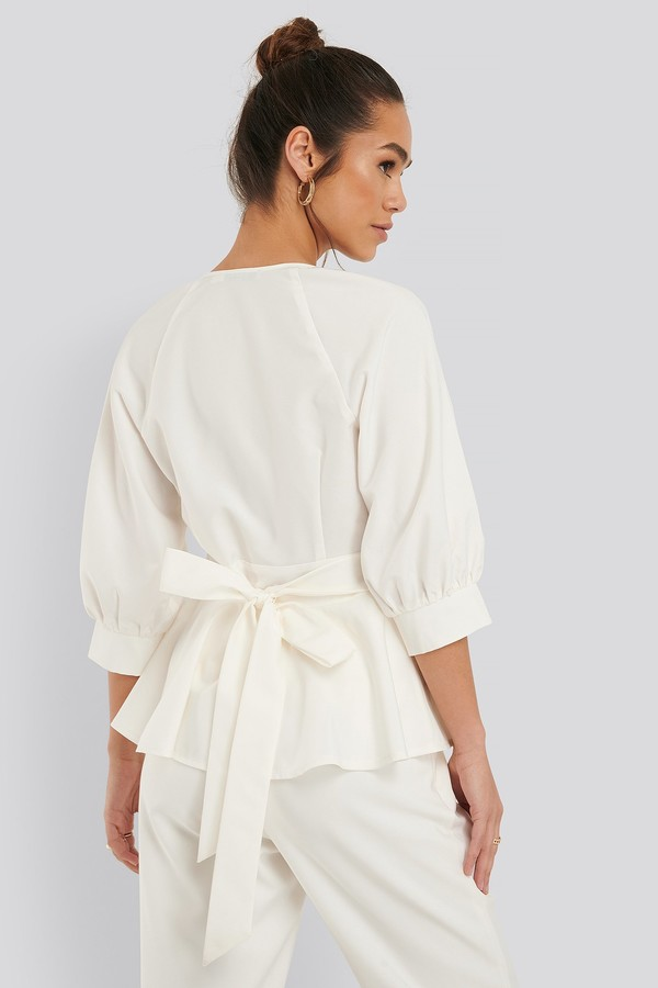 NA-KD Balloon Sleeve Belted Blouse