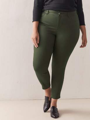 Universal Fit, Ultra-Stretchy Jegging - d/C JEANS