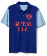 Gap Graphic colorblock polo
