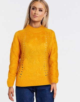 Pieces jyla cable knit jumper in gold