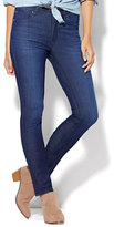 New York & Co. Soho Jeans - High-Waist Skinny - SuperStretch/4 - Blue Lake Wash