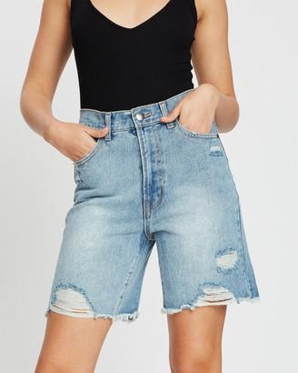 Dazie Downtown High-Waisted Midi Shorts