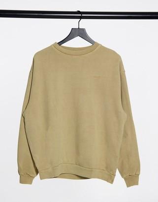 Levi's Melrose slouchy crew sweatshirt in beige