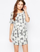 Yumi Shift Dress In Daisy Stripe Print