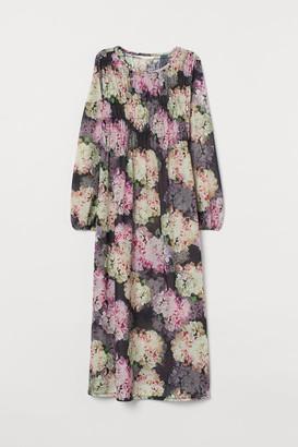 H&M MAMA Dress with Smocking - Black