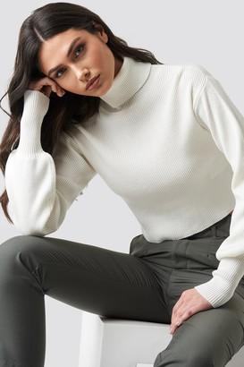 NA-KD Balloon Sleeve High Neck Short Sweater Black