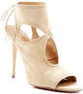 kim kardashian  Who made  Kim Kardashians white skirt, tan coat, black sunglasses, tan suede cut out shoes, and handbag?