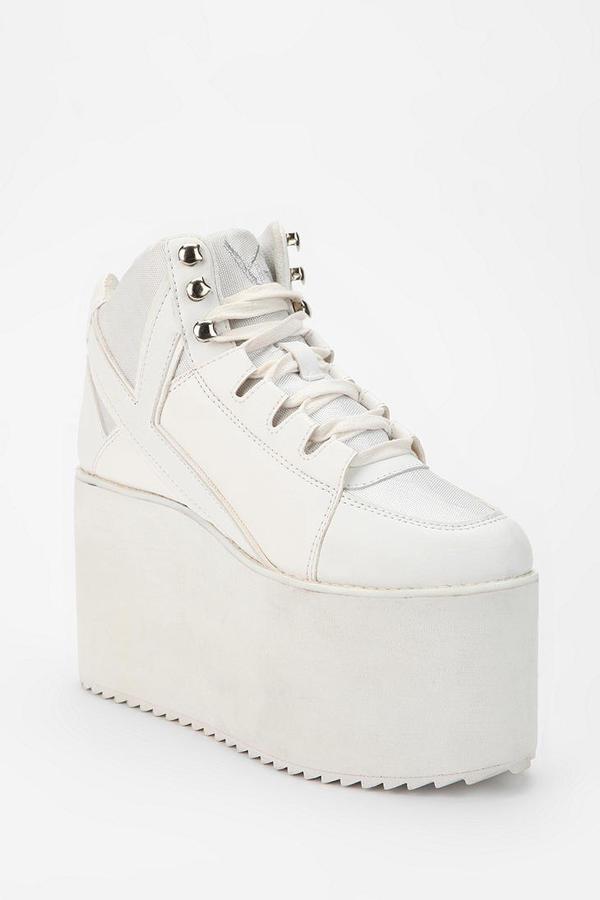 Urban Outfitters Y.R.U. Qozmo Tonal High-Top Flatform-Sneaker
