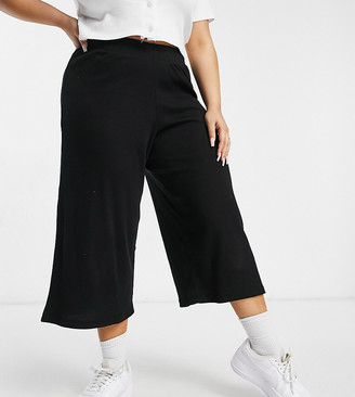 Lasula Plus cropped ribbed wide leg trouser in black