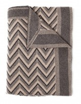 The Well Appointed House 100% Cashmere Modern Herringbone Design Throw in Black and Beige