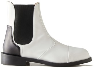 Thread Milan Bruni Chelsea Boots In White Patent Leather
