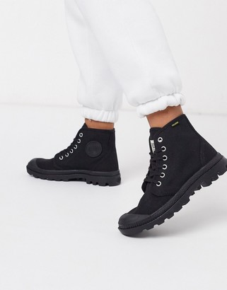 Palladium Pamdo Hi Originale flat ankle boots in black