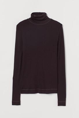 H&M Merino wool polo-neck top