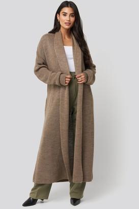 Di Lara Dilara X NA-KD Tie Waist Oversized Knitted Cardigan Brown
