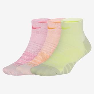 Nike Women's Training Ankle Socks (3 Pairs Everyday Max Cushion