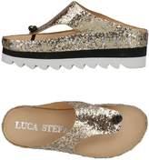 Luca Stefani Toe strap sandals
