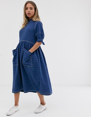 Asos Design DESIGN textured midi smock dress with tie sleeves-Blue