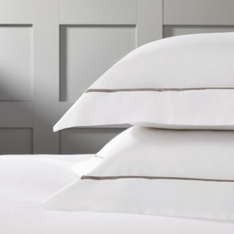 The White Company Oxford Pillowcase with Border Single, White Mink, Large Square