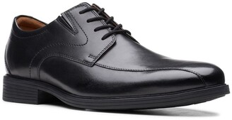 Clarks Whiddon Pace Oxford - Wide Width Available