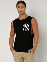 Majestic NY Chest Logo Muscle Tee