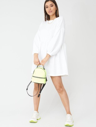 boohoo Ruched Sleeve Oversized Sweat Dress - Cream