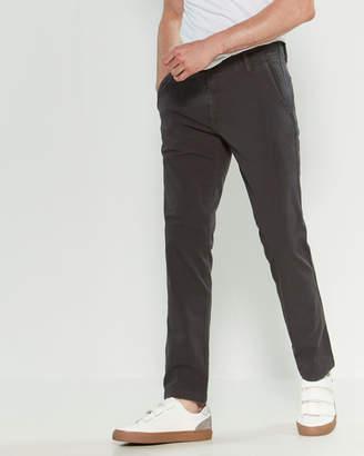 Dockers Steelhead Downtime Skinny Fit Khaki Pants