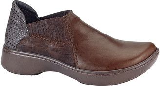 Naot Footwear Women's Clogs Toffee - Toffee Brown Bay Leather Shoe - Women