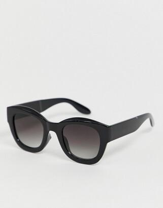 Aj Morgan AJ Morgan chunky oval sunglasses in black