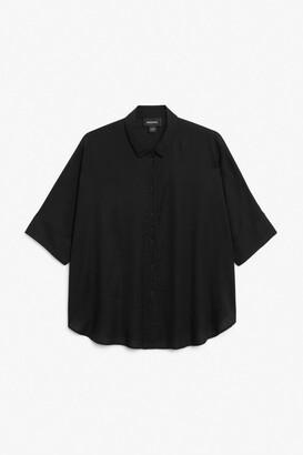 Monki Boxy cut shirt