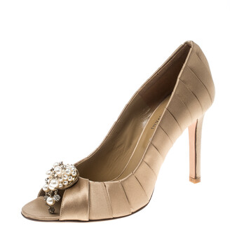Valentino Beige Pleated Satin Pearl and Crystal Brooch Embellished Peep Toe Pumps Size 36.5