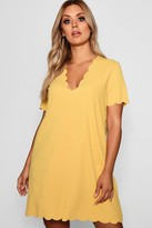 boohoo Plus Scallop Edge V Neck Shift Dress