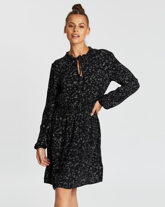 Gap V-Neck LS Tie Neck Dress