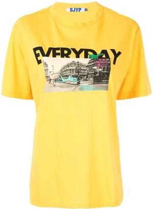 Sjyp Dino City graphic T-shirt