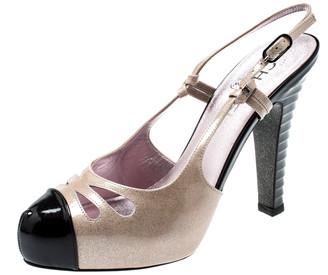 Chanel Beige/Black Glitter Textured Patent Leather Cut Out Detail Cap Toe CC Slingback Sandals Size 39.5