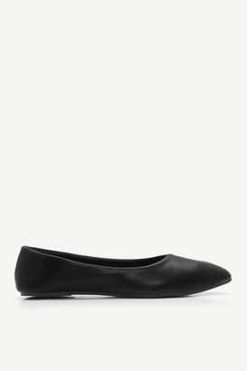Ardene Faux Leather Pointy Flats