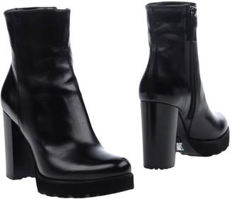 Maria Cristina Ankle boots